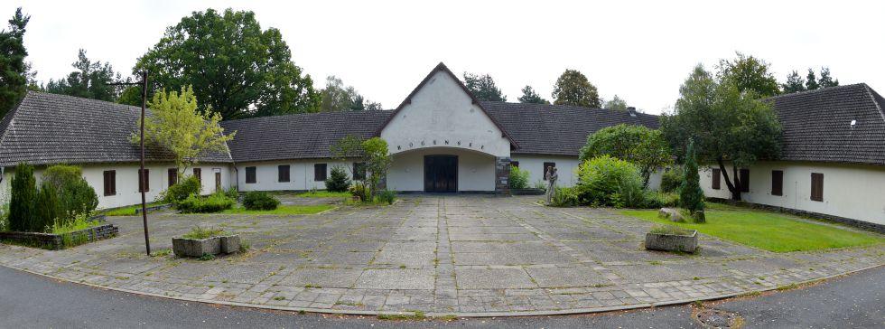 Nadie quiere la casa de goebbels magazine - La casa del nazi ...