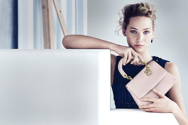 """Jennifer Lawrence Protagoniza La Más Reciente Campaña De Bolsos """"Be Dior"""""""