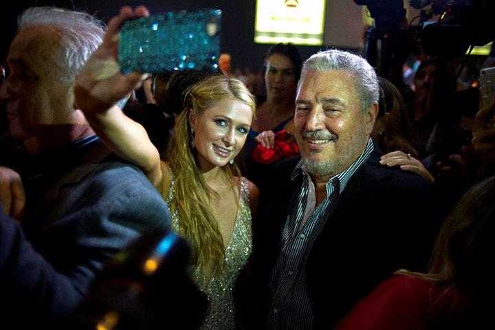 Paris Hilton visitó Cuba y se tomó 'selfie' con el hijo de Fidel Castro (Fotos)
