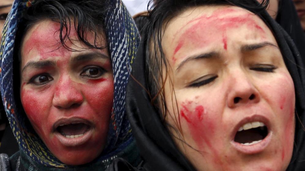 Farkhunda, la afgana golpeada hasta la muerte que se ha convertido en heroína  Leer más:  Farkhunda, la afgana golpeada hasta la muerte que se ha convertido en heroína .