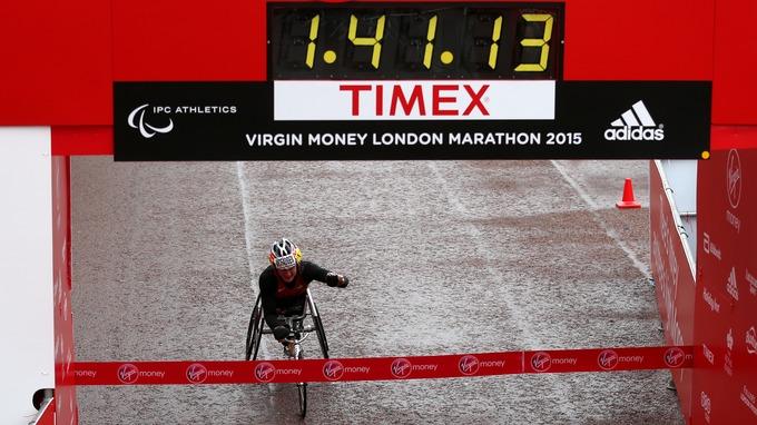 Tatyana McFadden gana maratón de Londres ,en silla de ruedas de las mujeres – ITV News