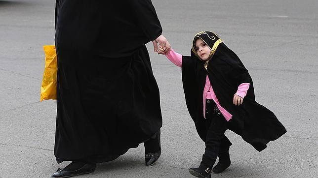Triste privilegio: Iraq será el primer país del mundo en legalizar la pedofilia.