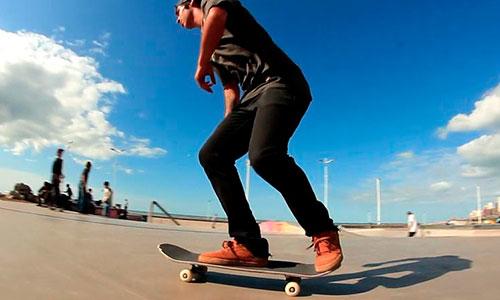 """El """"Messi"""" del skate: de un barrio humilde a competir con los mejores (video)"""