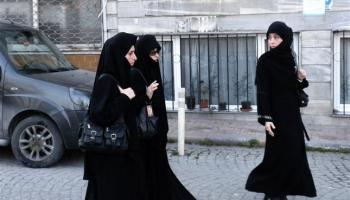 Tapadas  el velo islámico se impone en Turquía ac2fc55049a6