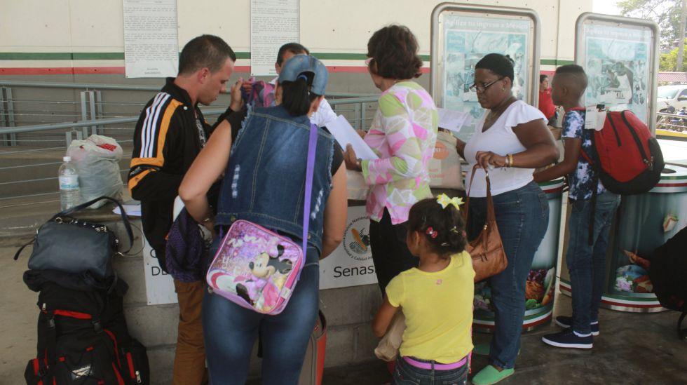México recibirá vuelos especiales de migrantes cubanos en ruta hacia EE UU | EL PAÍS