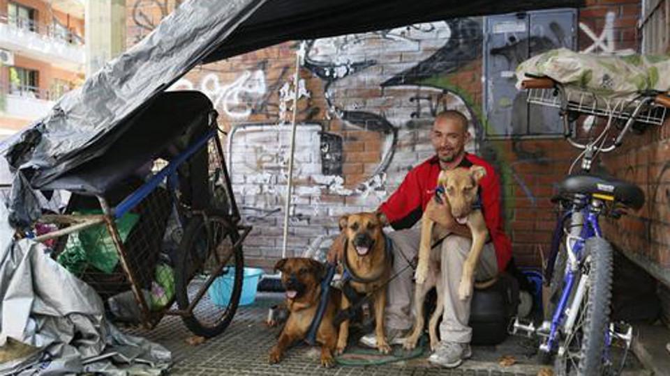 Palermo: el homeless al que cuidan los vecinos –