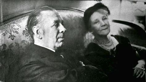 Jorge Luis Borges y su madre Leonor Acevedo