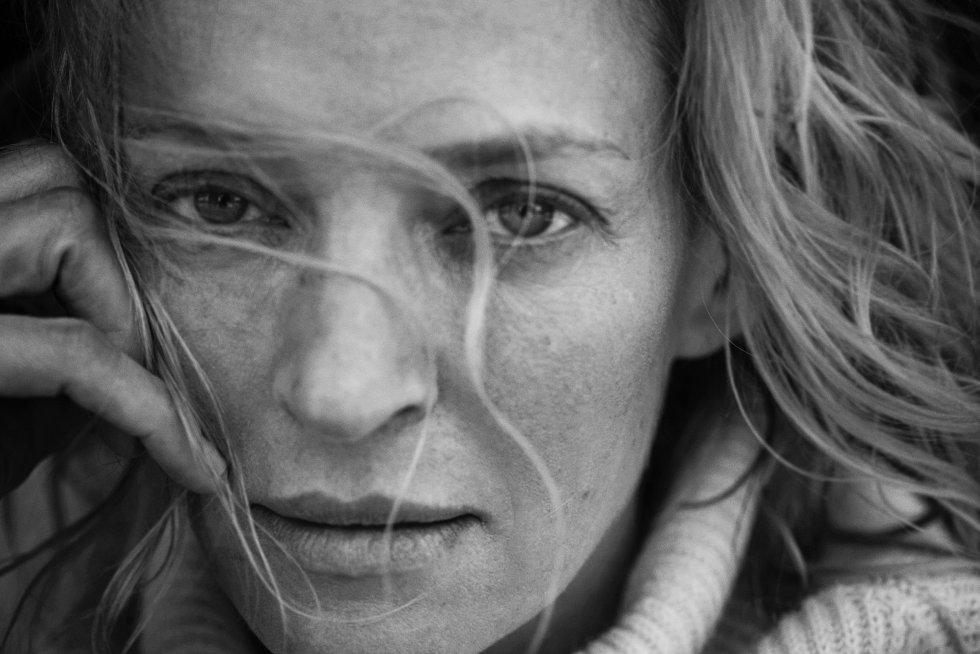 Uma Thurman es otra de las protagonistas que el fotógrafo Peter Lindbergh ha decidido incluir en este calendario con el que quiere hacer un llamamiento a repensar el actual ideal de belleza de la industria de la moda.