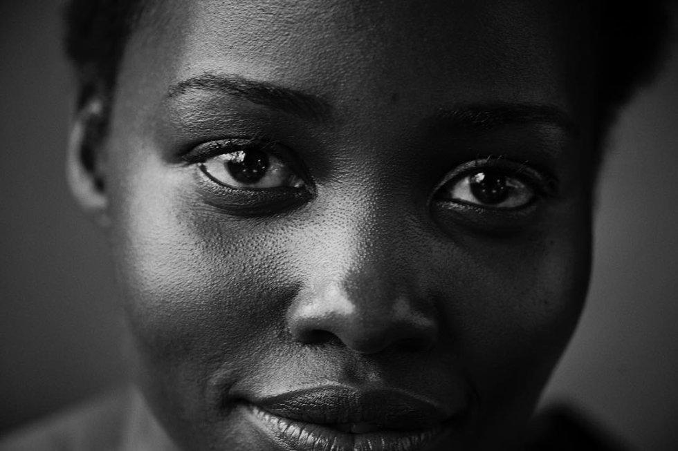 Lupita Nyong'o es otra de las actrices que protagonizan este calendario. La intérprete, de 33 años, ganó un Oscar por su papel en '12 años de esclavitud'.