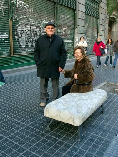 BANCO BUENOS AIRES. Una pausa en el vértigo urbano.