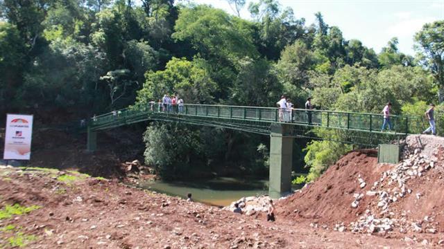El puente sobre el río Chafariz, en Misiones