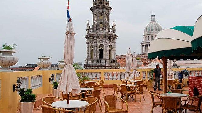 Desde la terraza del Hotel Inglaterra – Conexión Cubana