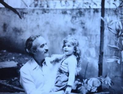 Eugenia Braguinsky y su papá cuando todo era sorpresa.