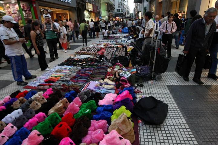 Resultado de imagen para la nacion venta ilegal callejera