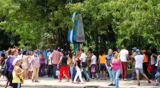 "Prensa oficial de Cuba denuncia ""el engaño"" de Coppelia – CiberCuba"
