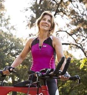 Mercedes Pardo, de 65 años, corrió el triatlón Ironman de México