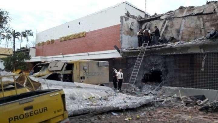 Ciudad del Este: una superbanda dio un golpe comando y robó unos US$ 40 millones; hay un policía muerto