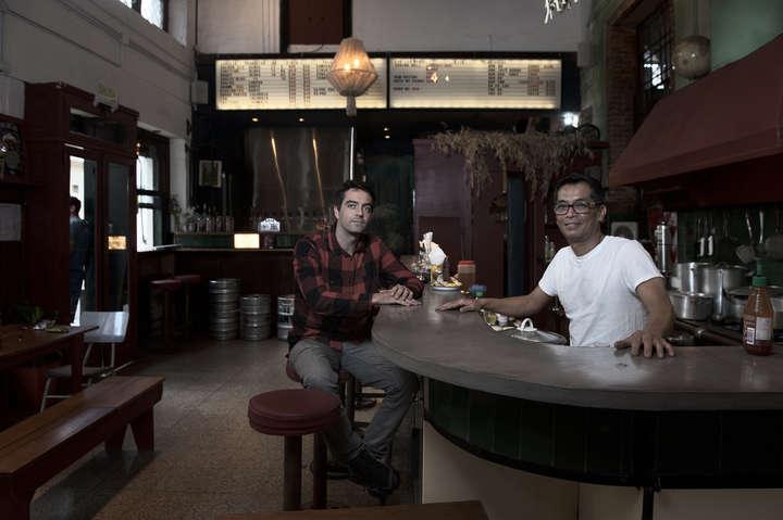 San Telmo, un mercado de contrastes: ya conviven los puestos clásicos con los gourmets
