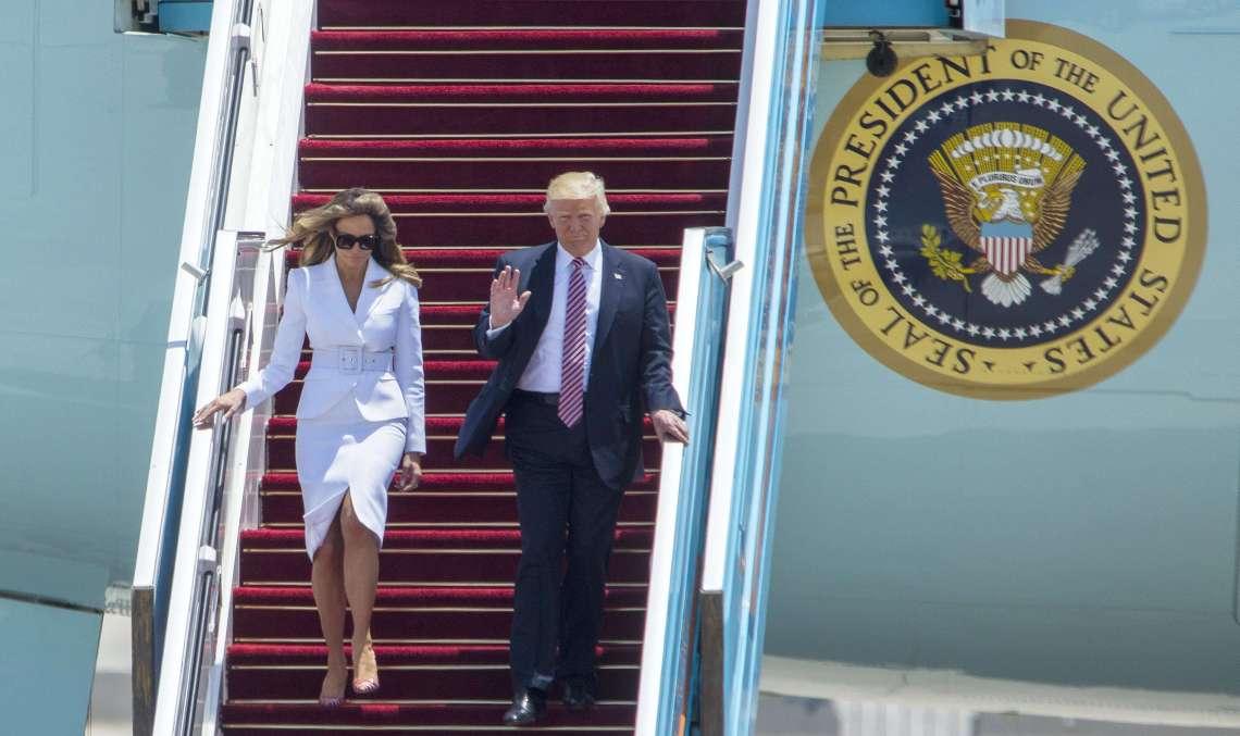 """Melania rechaza a Trump con """"manotazo"""" enIsrael"""