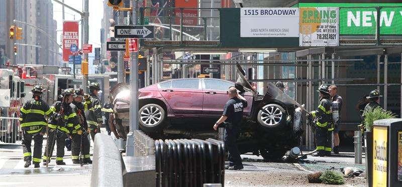 Fotos: Auto arrolla multitud en Times Square y deja al menos 1 muerto y 23heridos