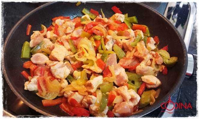 empanada de pavo adobado con verdura