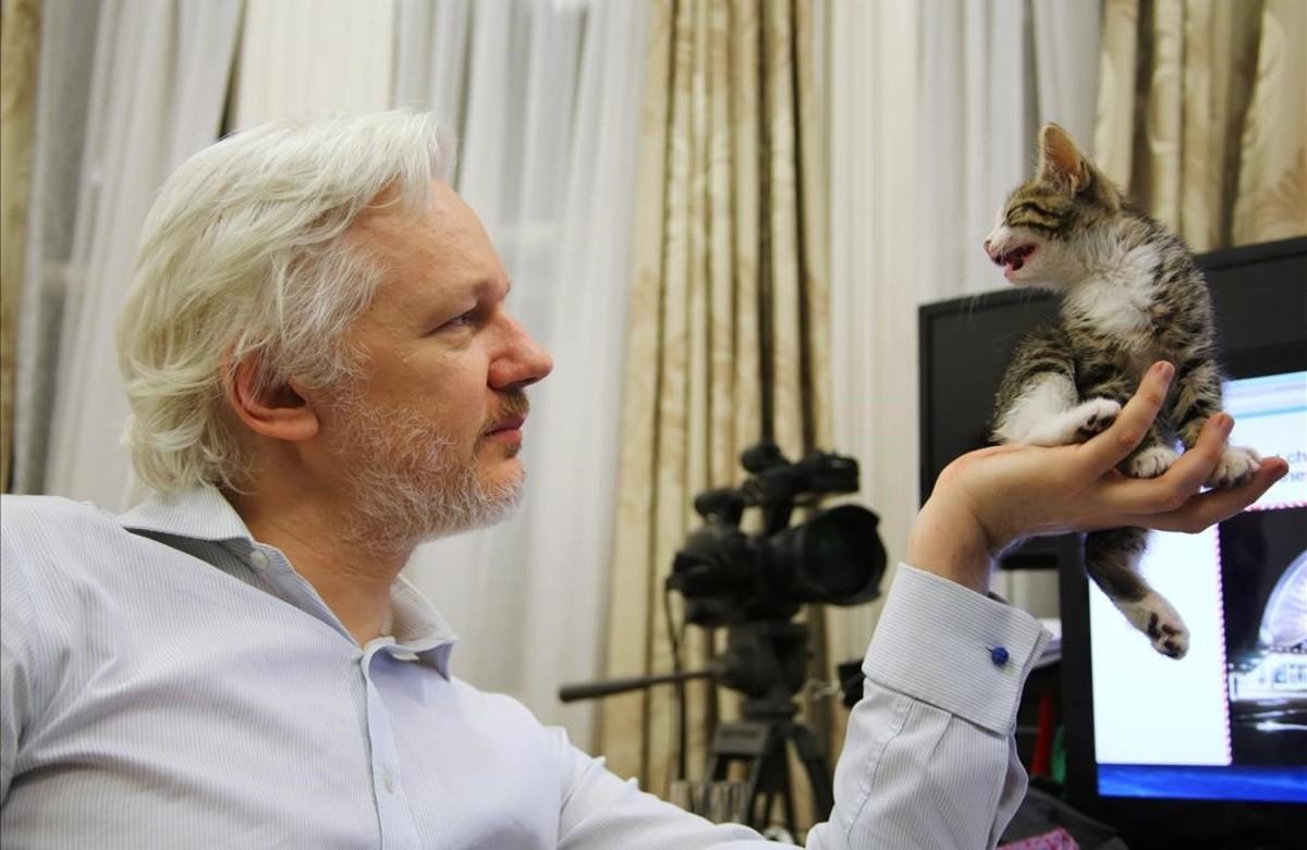 La fiscalía sueca cierra la investigación por violación contra Assange