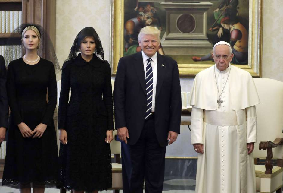 Melania e Ivanka desatan burlas por vestimenta en el Vaticano, pero ¿hicieronmal?