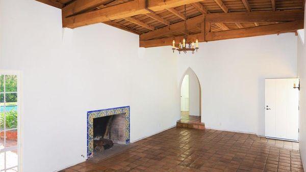 La chimenea, uno de los lugares más elogiados en la propiedad (Mercer Vine)