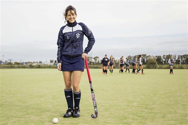 Luciana Fuks (34) en el equipo de hockey de la segunda de Hacoaj en el club Buena Vista, donde jugaba de chica