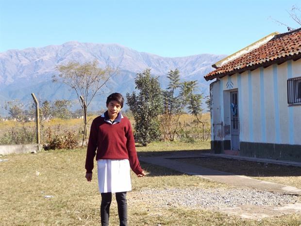 Gabriel Plaza asiste a la escuela Coronel Vicente Torino N° 4394, en Rosario de Lerna