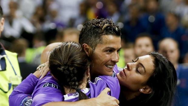El delantero del Real Madrid Cristiano Ronaldo celebra la victoria de la Champions League