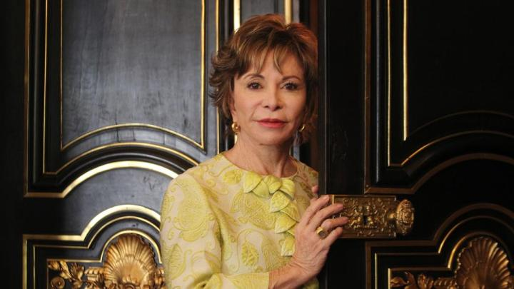 """Isabel Allende: """"Mis nietos se escandalizan de que tenga un nuevo novio"""""""
