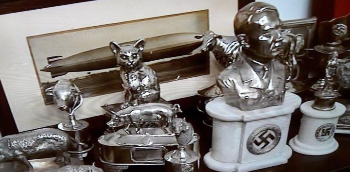 Los objetos encontrados iban a ser subastados para coleccionistas privados (Twitter)