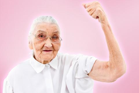 Anciana con sarcopenia