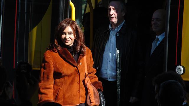 Cristina y Nestor Kirchner en la inauguración del tranvía de Puerto Madero