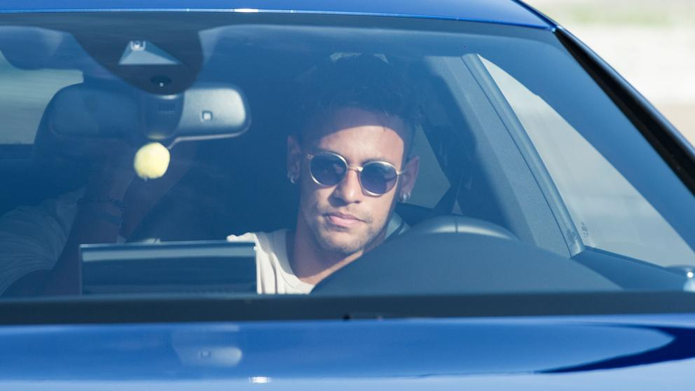 Neymar se va del Barça rumbo al PSG