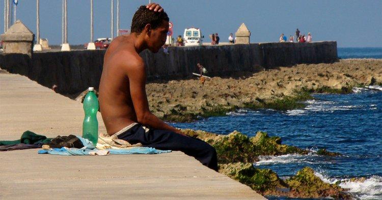 ¿Qué puede el sol contra un pueblo tan triste? –Orlando Luis Pardo Lazo