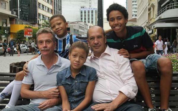 Gays y sus hijos adoptivos
