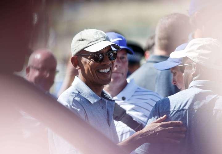 La foto de Obama con Miley Cyrus que abrió una grandebate