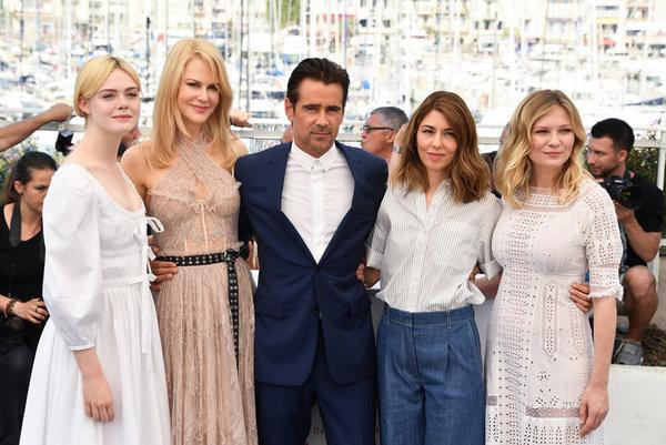 Colin Farrell en buena compañía: Elle Fanning, Nicole Kidman, Sofia Coppola y Kirsten Dunst.