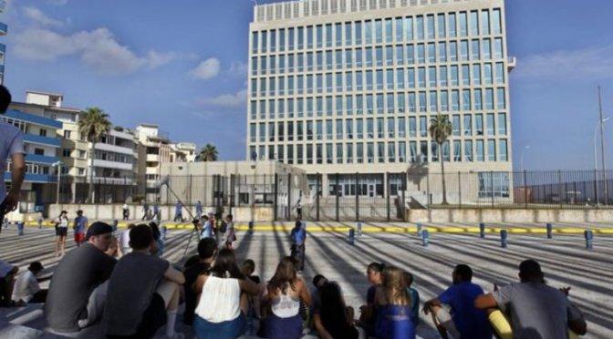 Cubanos que sueñan emigrar a EEUU se encuentran retenidos en la isla