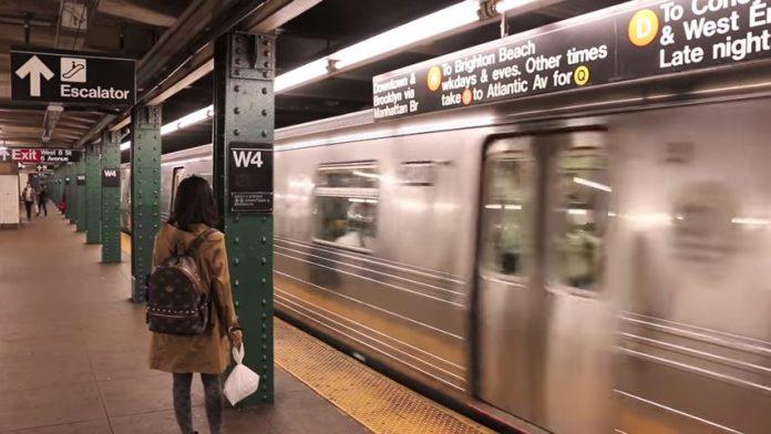 """El Metro de Nueva York sigue al de Londres y prohíbe saludar con """"damas y caballeros"""""""