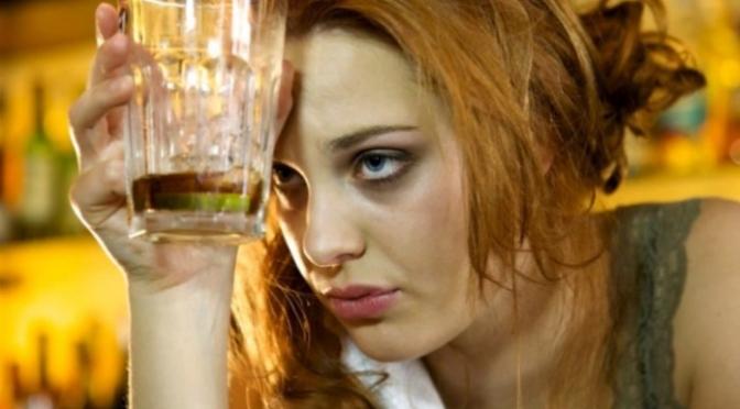 Alcohorexia y adolescencia, la temida asociación entre las dietas y el alcohol
