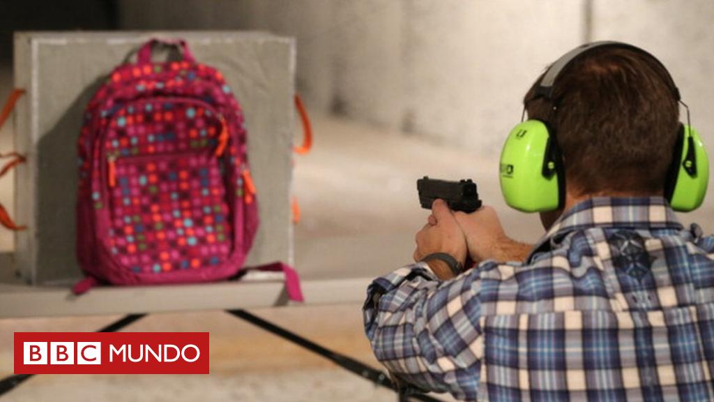 El gran negocio de las mochilas antibalas cuya venta se disparó en EE.UU. tras el tiroteo en Florida en que murieron 17 personas