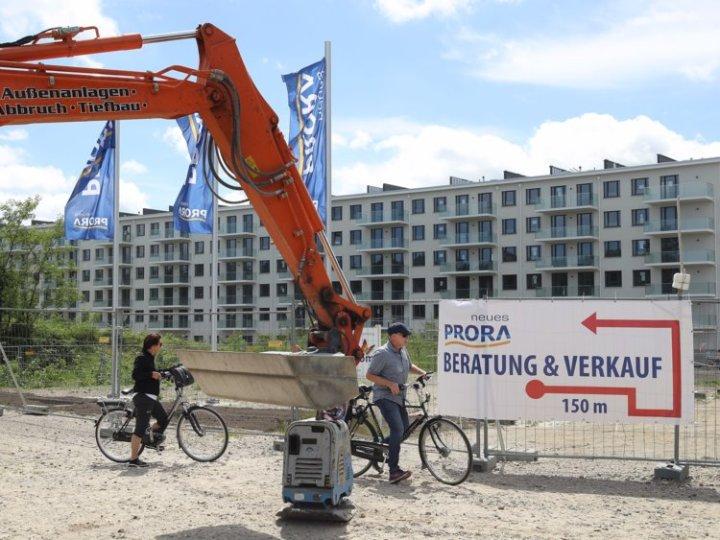 Metropole espera terminar la restauración completa para el 2022, aunque tanto los apartamentos como las casas de verano ya están a la venta.