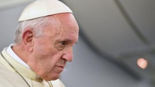La carta enviada al papa Francisco por una víctima de abusos en la que denunciaba el supuesto encubrimiento del obispo Juan Barros en el caso Karadima