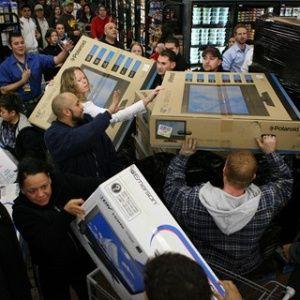 """Se pinchó el """"nuevo Miami Chileno"""": ¿conviene viajar para comprar notebooks y celulares?"""