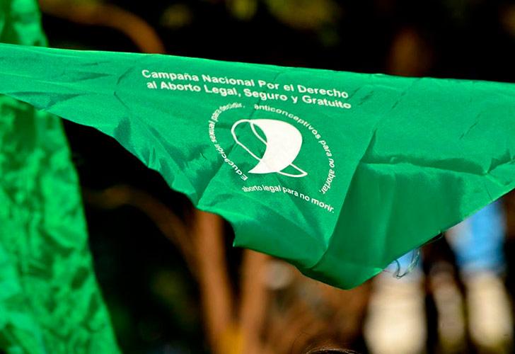 Aborto para unos, banderitas para otros-Relato del Presente