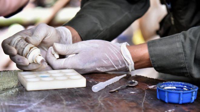 """""""Son mafiosos que no parecen mafiosos"""": los narcos """"invisibles"""" que controlan el tráfico de cocaína de Colombia (y que no se parecen en nada a Pablo Escobar)"""