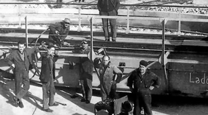 Así comían en el trabajo antes de los 'tupper': historia de los pucheros del currante